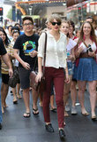 On Sunday Taylor also hit Pitt St Mall for a spot of shopping and was swamped by fans!