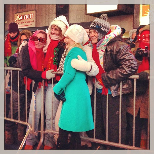 Angela Kinsey made friends in Times Square.  Source: Instagram user angelakinsey