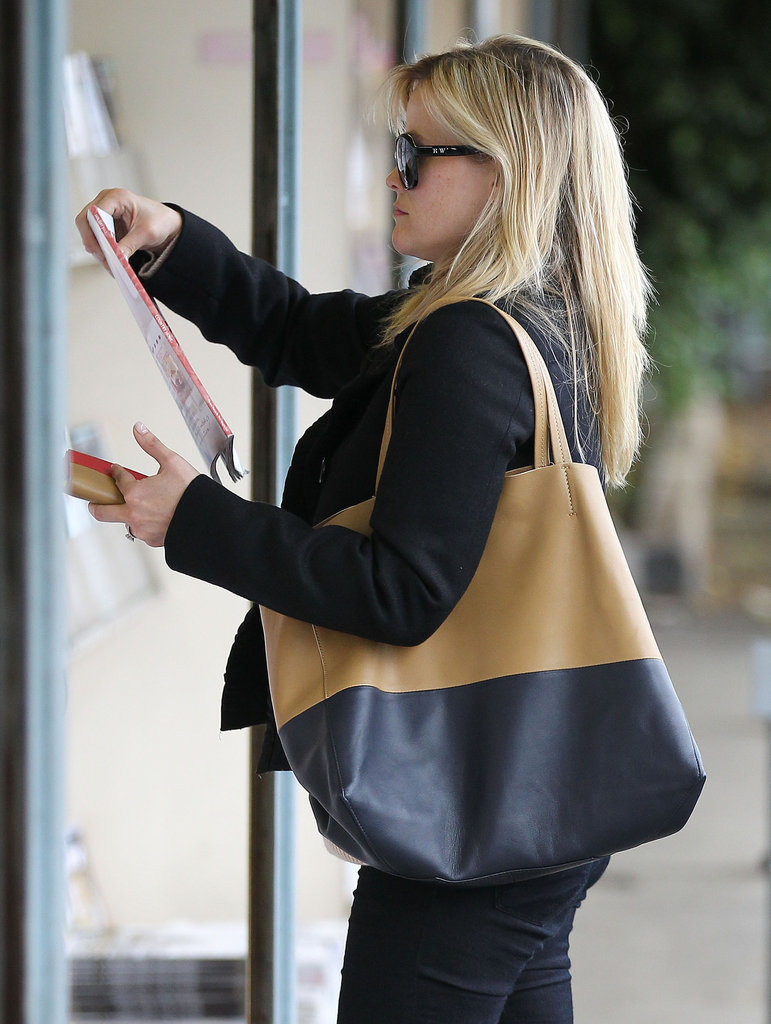 Reese Witherspoon and Mindy Kaling Share Lunch, Laughs, and Hugs