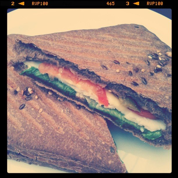 There's nothing like smoked turkey on hearty flaxseed bread to jump-start the afternoon.  Source: Instagram user n_fahad