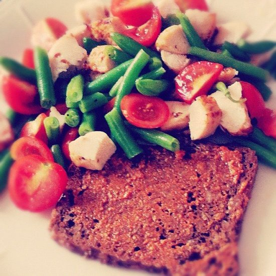 Lean chicken and loads of veggies are the stars of this lunch plate.  Source: Instagram user annechristina8000