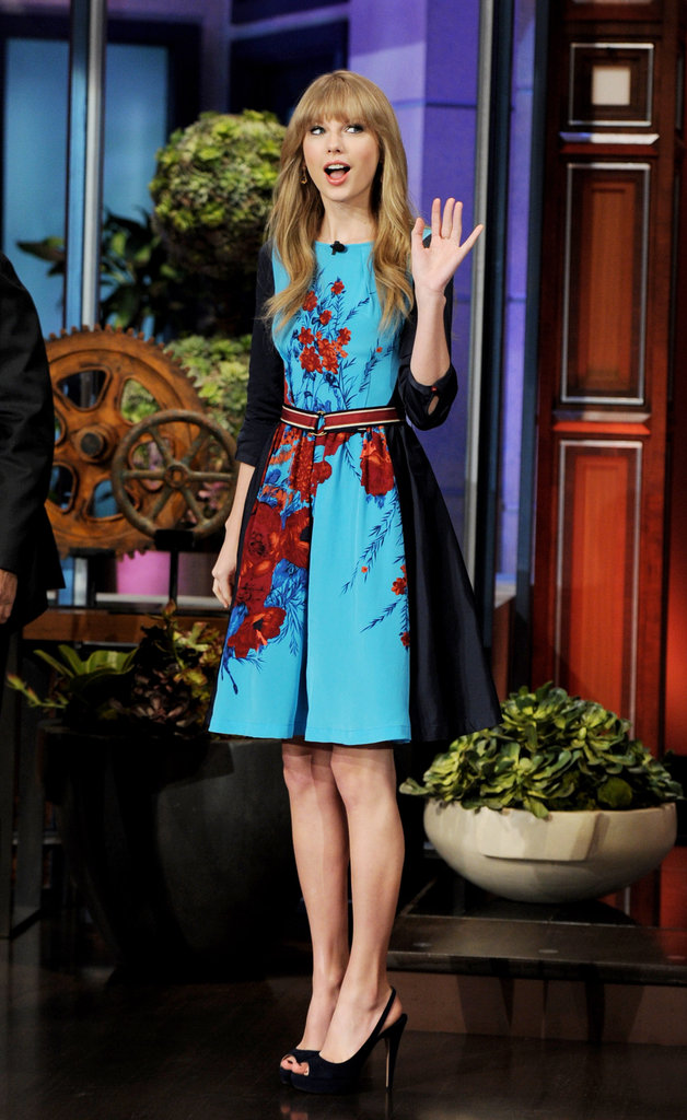 Taylor Swift showed her appreciation for fans while appearing on The Tonight Show With Jay Leno in February 2012.