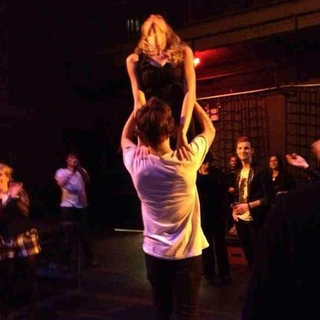 Taylor Swift and Harry Styles Do Dirty Dancing Lift