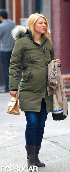 Pregnant Claire Danes walked the streets of NYC.