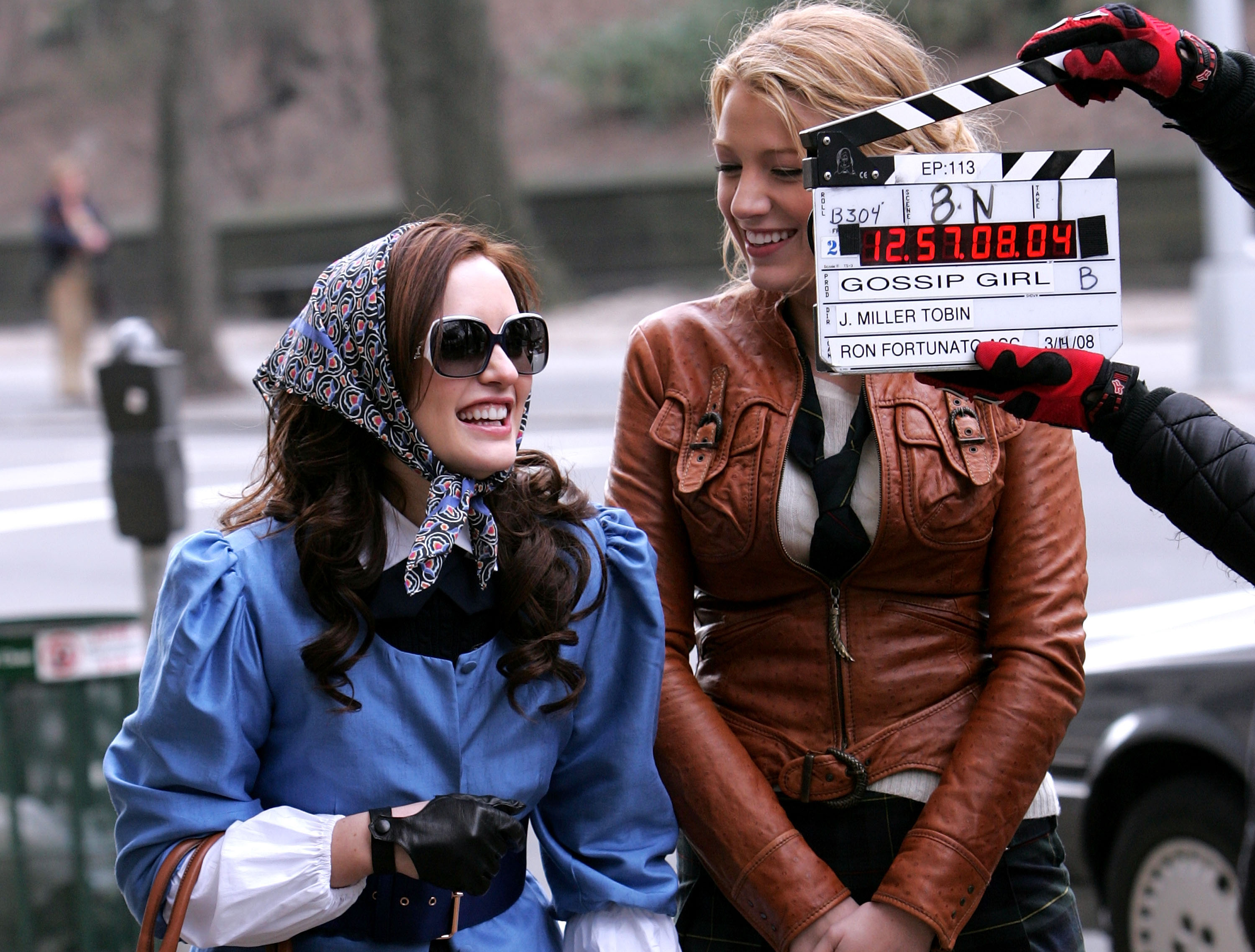 Despite wearing a disguise, Leighton Meester sported a bright smile that gave her away during a March 2008 shoot