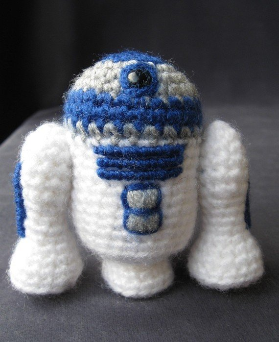 R2-D2 ($4) is always scheming.