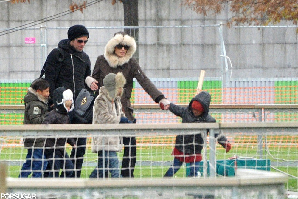 The Jolie-Pitts embarked on a balloon ride over Paris in November 2010.