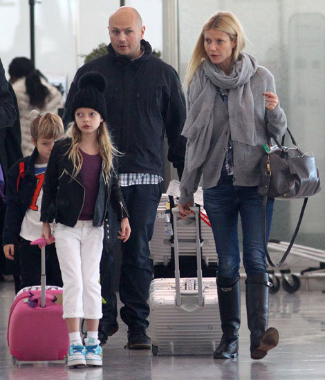 Gwyneth Paltrow arrived in London with Apple Martin and Moses Martin.