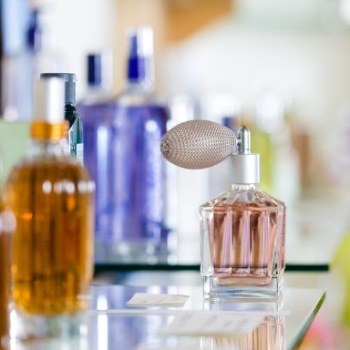 How to Pick Perfume as a Gift