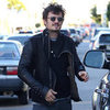 Orlando Bloom Gets Bike Fixed | Pictures