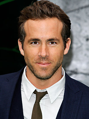 The 40-year old son of father Jim Reynolds and mother Tammy Reynolds, 188 cm tall Ryan Reynolds in 2017 photo