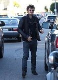 Orlando Bloom was careful to avoid traffic.
