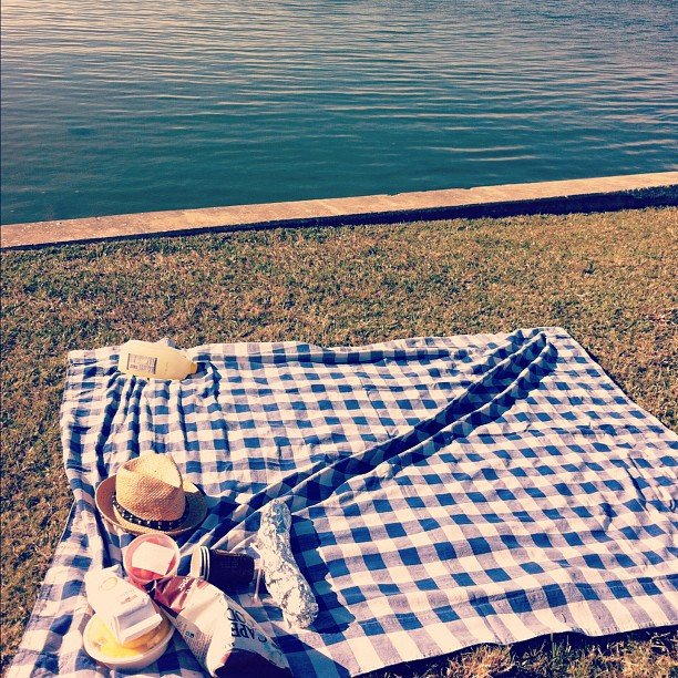 Have Regular Romantic Picnics