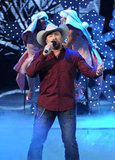 Tate Stevens performed during the finale.