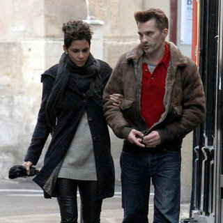 Halle Berry and Olivier Martinez in Paris | Pictures