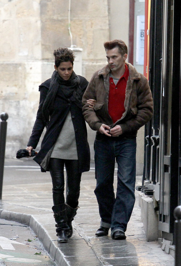 Halle Berry and Olivier Martinez walked arm in arm in Paris.