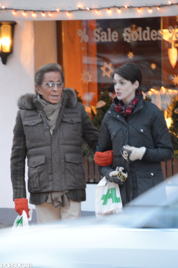 Anne Hathaway and Valentino did some shopping.