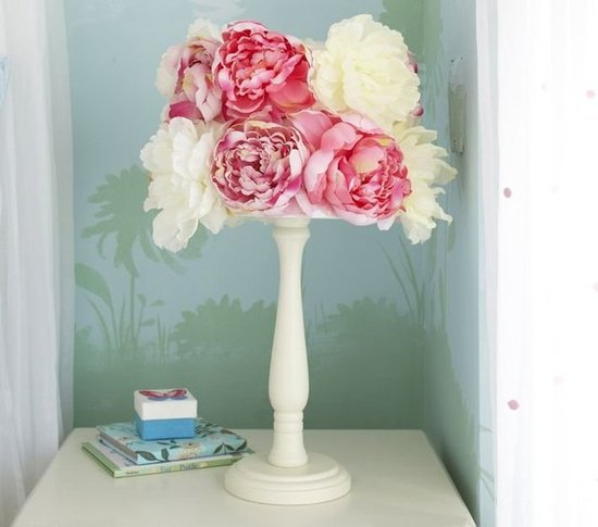 Pottery Barn Kids Peony Lamp 