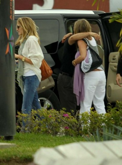 Jennifer Aniston said goodbye to her friends as she left Cabo.
