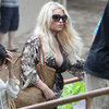 Pregnant Jessica Simpson Shows Baby Bump at Lunch in Hawaii