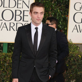 Robert Pattinson at the Golden Globes 2013