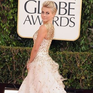 Julianne Hough | Golden Globes Red Carpet Fashion 2013
