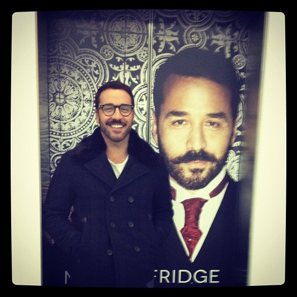 Jeremy Piven, star of the new show Mr Selfridge, posed in front of a very familiar face.  Source: Instagram user howulivinjpiven