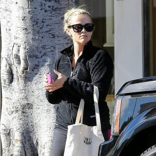 Reese Witherspoon Leaving the Gym in LA | Pictures