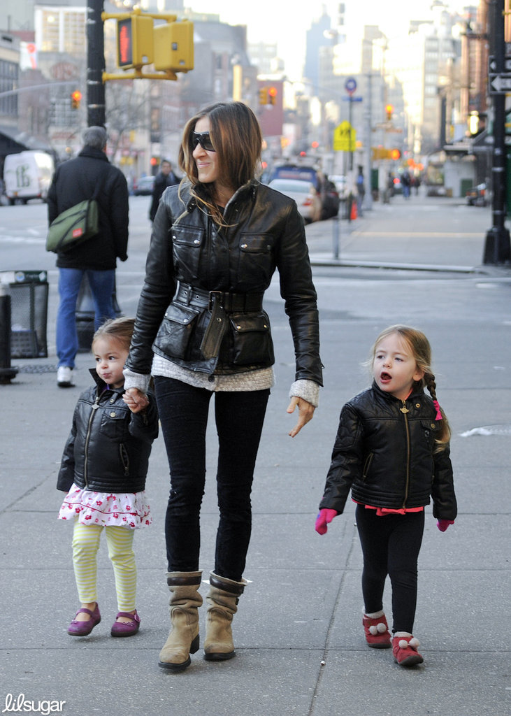 Sarah Jessica Parker strolled the NYC streets with her twin girls, Loretta and Tabitha Broderick.