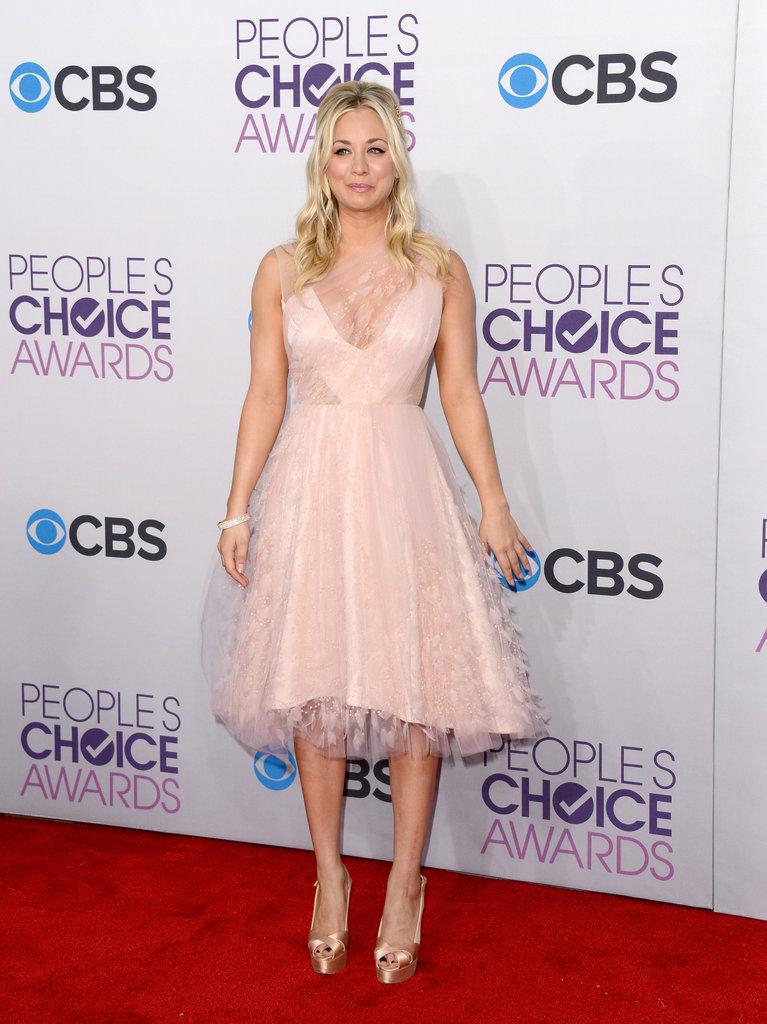 Host Kaley Cuoco chose a blush dress.