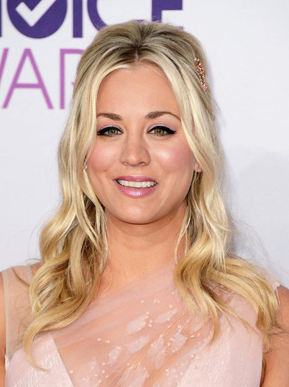 Kaley Cuoco arrived at the People's Choice Awards in a blush Christian Siriano dress.