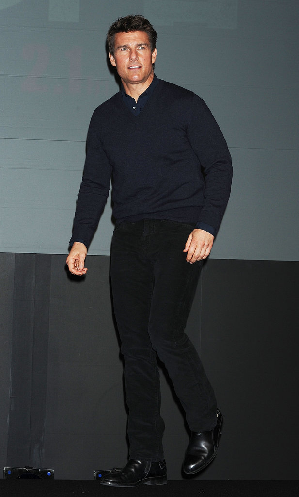 Tom Cruise wore a blue sweater in Tokyo.