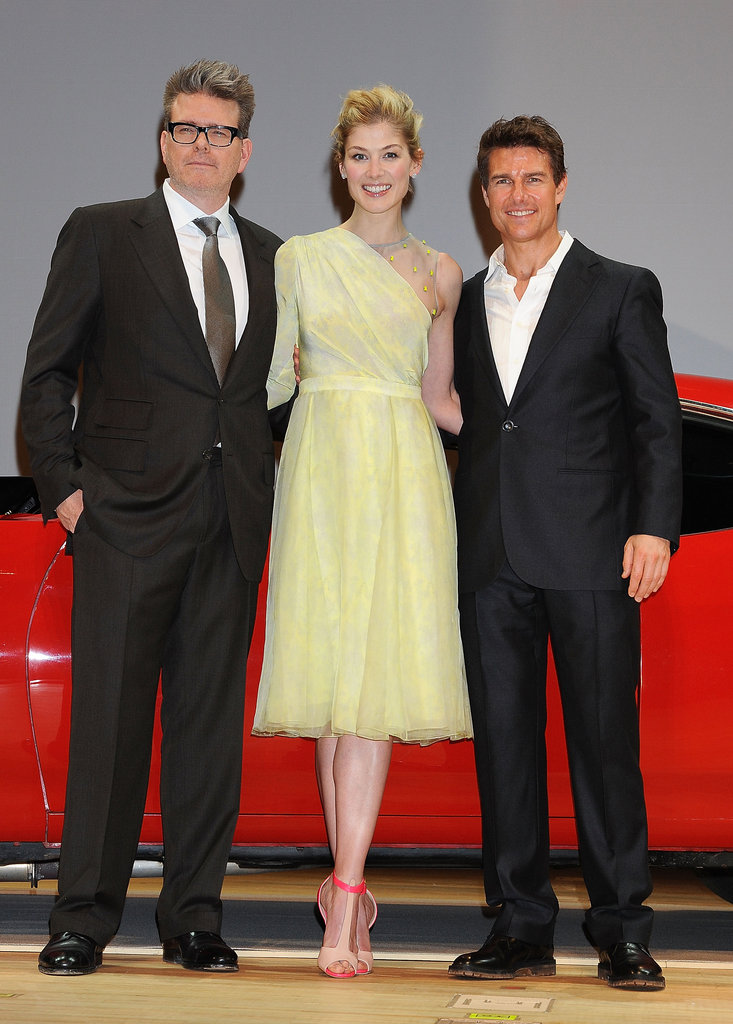 Tom Cruise, Rosamund Pike, and director Christopher McQuarrie attended the premiere of Jack Reacher in Tokyo.