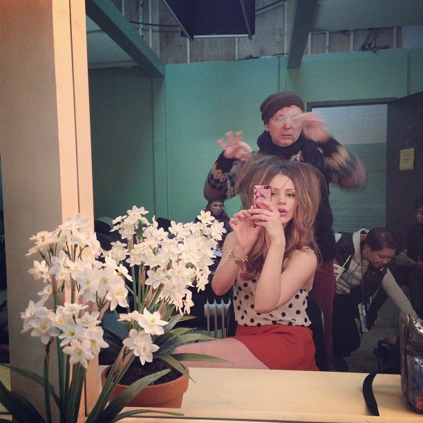 Katharine McPhee showed fans a behind-the-scenes primping picture.  Source: Instagram user katharinemcphee