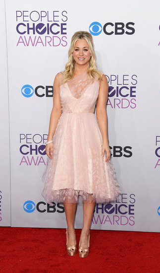 "People's Choice Awards Host Kaley Cuoco Says She Feels ""No Pressure"""