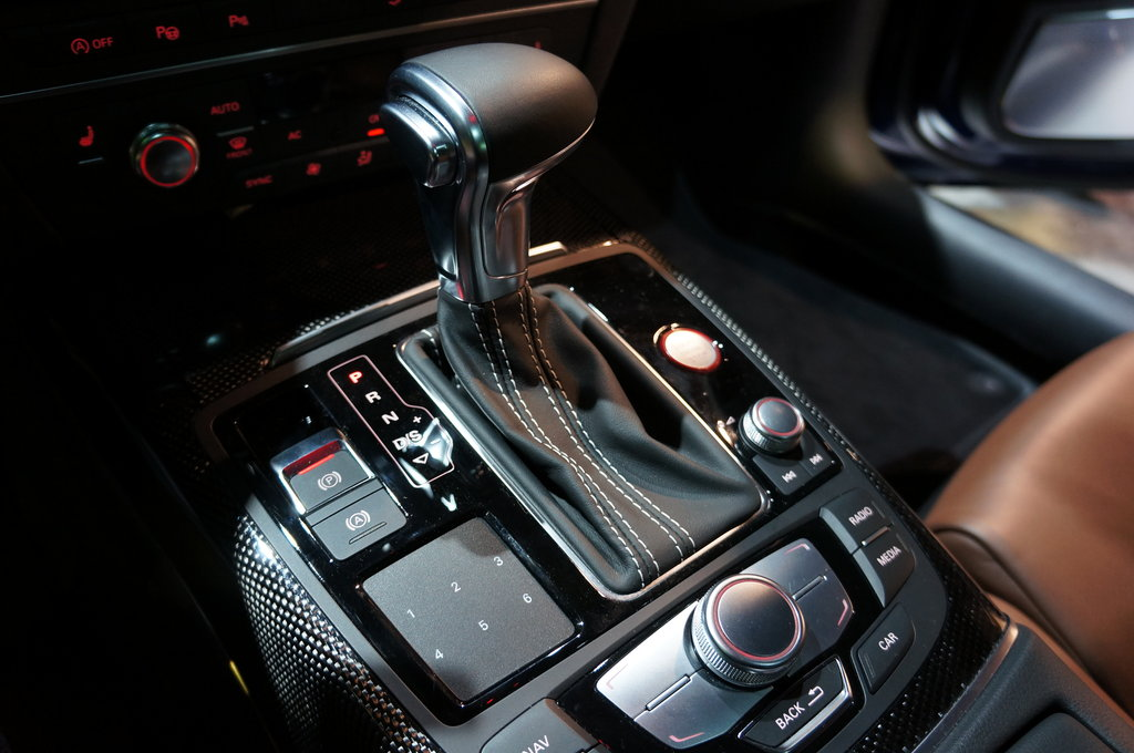 Audi S7 Middle Console