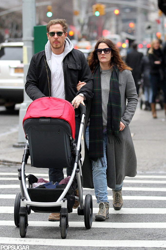 Olive Kopelman joined mom Drew Barrymore and dad Will Kopelman on a walk.