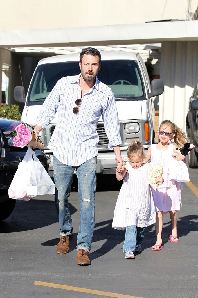 Ben Affleck Picks Up Flowers and Fruit at the Market With His Girls