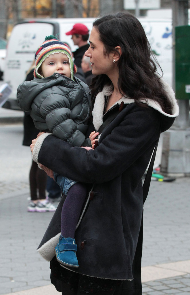Jennifer Connelly walked with daughter Agnes after filming in NYC.