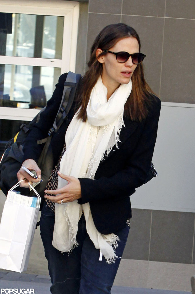 Jennifer Garner wore a white scarf with a blazer to run errands in LA.