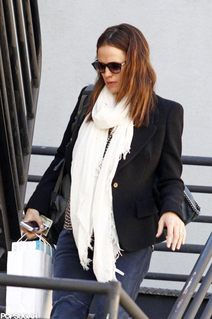 Jennifer Garner went shopping in LA.