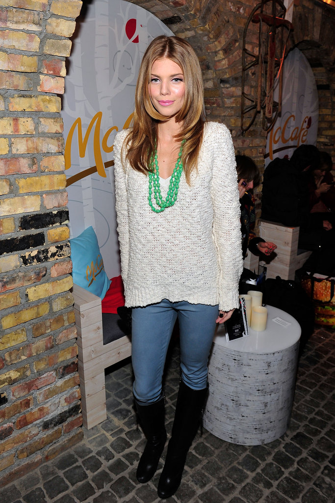 AnnaLynne McCord dressed up a knit sweater with a colorful necklace.