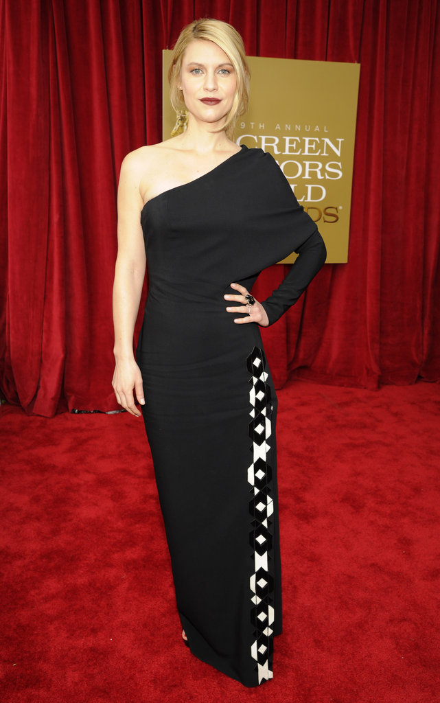 Claire Danes's Givenchy gown featured an artful pop of geometric black and white appliqués down the side of the skirt.