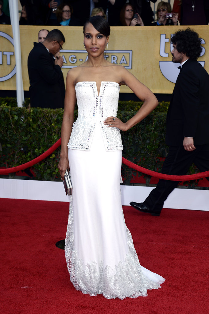 Kerry Washington looked absolutely amazing in a white corseted Rodarte confection with detailed embroidery and lace trim.
