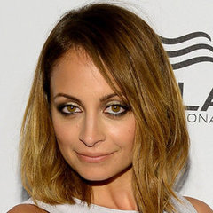 Amazing Celebrity Hair, Makeup & Beauty Looks: Nicole Richie