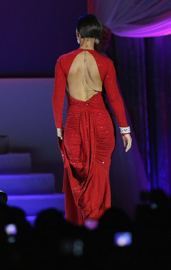 A back shot revealed a sexy cutout and ruched detailing on Alicia Keys's dress.