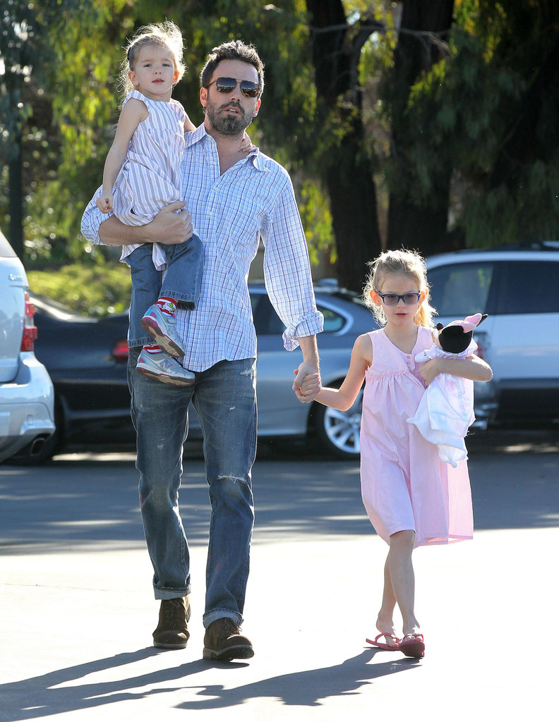 Ben Affleck carried his daughter Seraphina and held hands with Violet as they headed to the farmers market in LA.