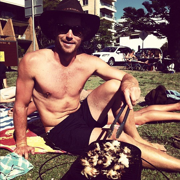 Hayden Quinn went shirtless and cooked on a Sunday. Source: Instagram user hayden_quinn