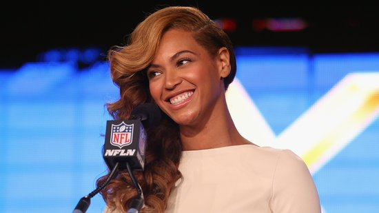 Video: Beyoncé Stuns With Surprise Live Anthem — and More Headlines