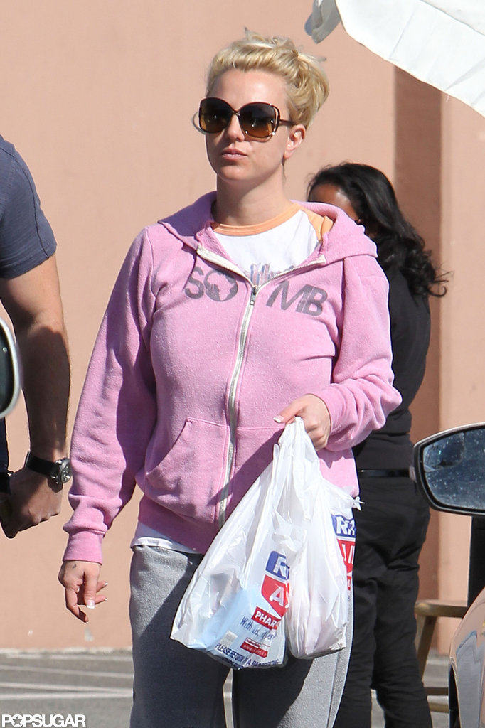 Britney Spears wore a pink sweatshirt in LA.